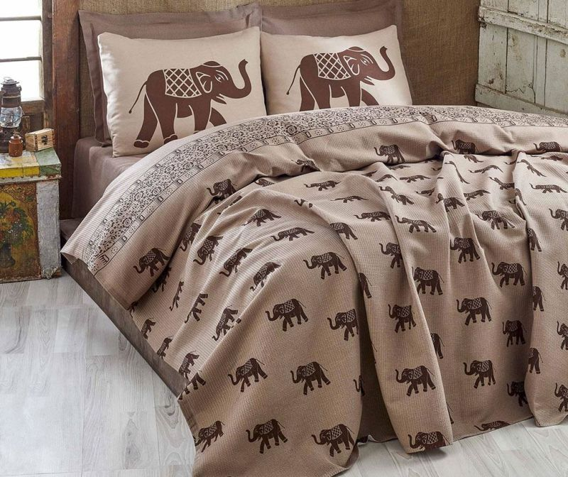 Posteljno pregrinjalo Pique Elephant Brown 160x235 cm