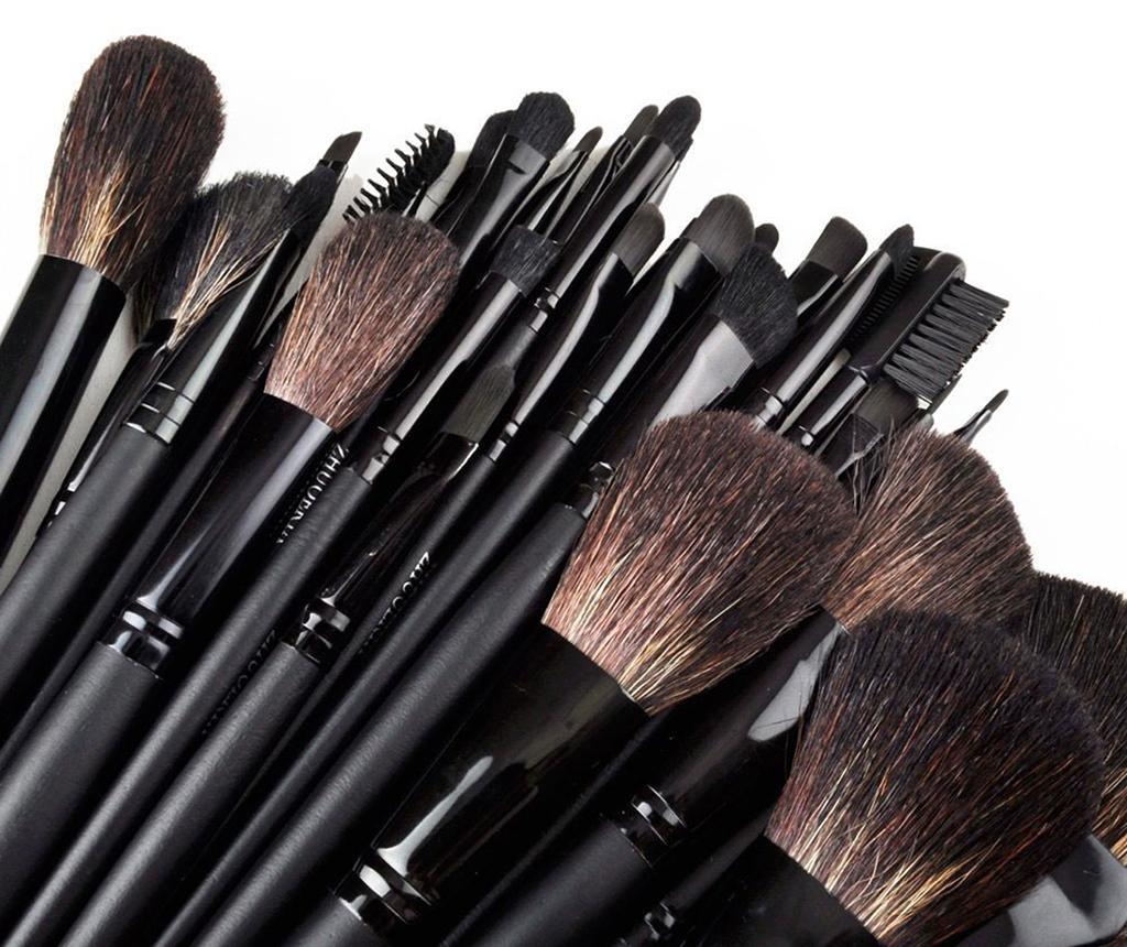 Set 32 pensule pentru machiaj si husa Face Art Black
